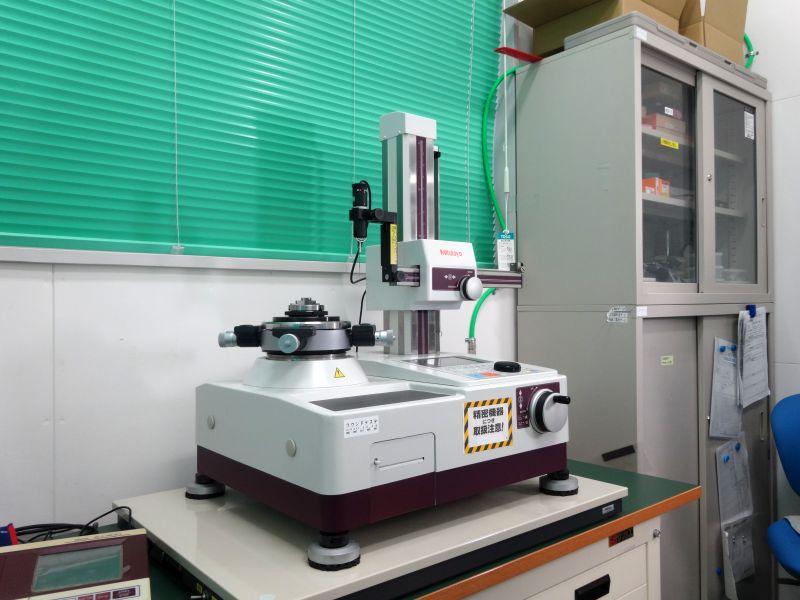(株)ミツトヨ製 真円度・円筒形状測定機 RA-220